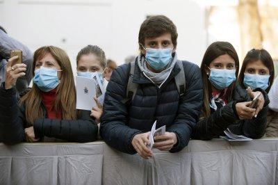 Едва 17% карат вируса без симптоми