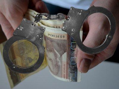 Полицай с 20 г. стаж е спипан с 2 бона подкуп