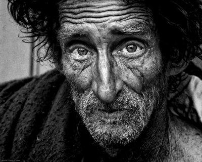 Нова простотия: Бездомните плащат PCR, ако искат покрив