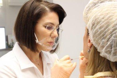 Как да се борим с кожните увреждания от Covid-19 и носенето на маски