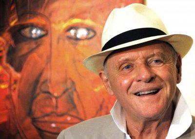 Актьорът сър Антъни Хопкинс, роден на 31 декември 1937 г.