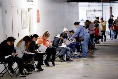 Близо 1 млн. в САЩ са подали документи за безработни за седмица