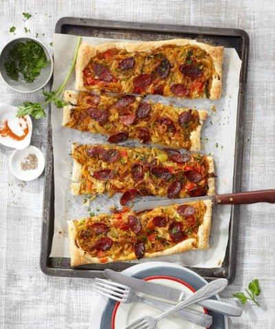 Бутер пица със савойско зеле и чоризо (друг вид зеле и колбас)
