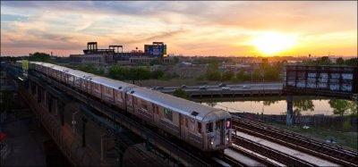 Само в Lupa.bg: 105 години метрото в Ню Йорк минава под река, релсите не са мръднали