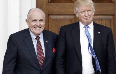 Джулиани пази Тръмп от импийчмънта