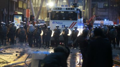100 души са задържани на протеста в Брюксел заради смъртта на арестант