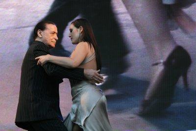 Ковид уби легендата на аржентинското танго Хуан Карлос Копес