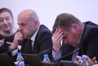 Каракачанов: Е, какъв беше смисълът на консултациите при Радев?