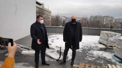 Ангелов към ресторантьорите: Отваряте на 18 февруари, война не се печели на инат