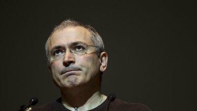 """Милиардерът Ходорковски: Путин иска да е """"алфа кучето"""" в Русия"""