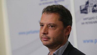 Делян Добрев осъди Елена Йончева на 7 бона за клевета
