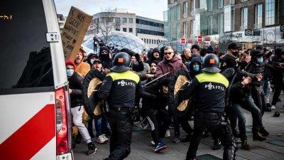 Невиждани безредици в Нидерландия от 40 г.
