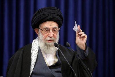 Туитър блокира акаунта на аятолах Хаменей