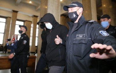 Подсъдимият за смъртта на Милен Цветков се крие от фотографите