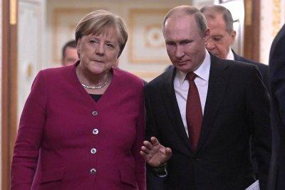"""Меркел защитава """"Северен поток 2"""""""