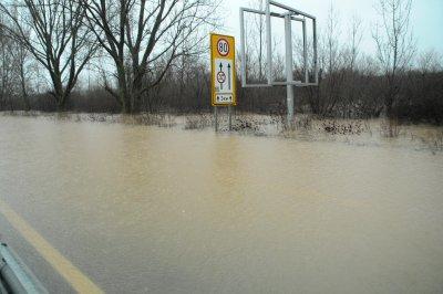 Очакват се порои и наводнения утре