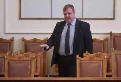 """Каракачанов не мисли за нова коалиция с ГЕРБ, била """"Нероден Петко"""""""