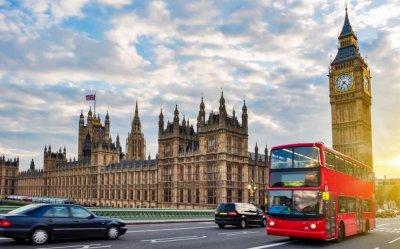 Лондон дава по 500 паунда на болен от КОВИД-19, за да стои вкъщи