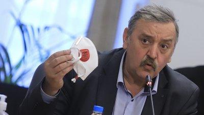 """България купува и """"Спутник"""", ако Европа я разреши"""