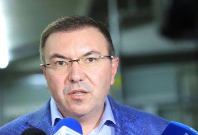 Здравният министър подписа за разхлабване на мерките от 1 февруари