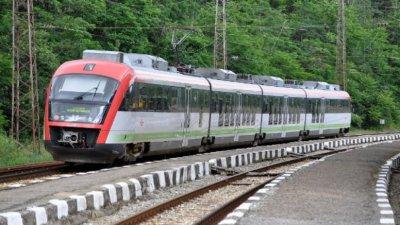 БДЖ ще трябва да продава билети и във влаковете