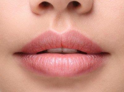 Напуканите устни - симптом на Covid-19