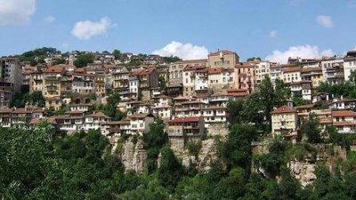 Велико Търново освобождава търговци и ресторанти от наеми