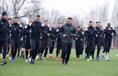 Пред погледа на двамата селекционери Славия загуби и втората си контрола в Турция