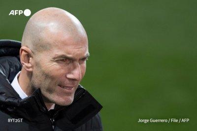 Реал остана без треньор, Зидан е с COVID-19