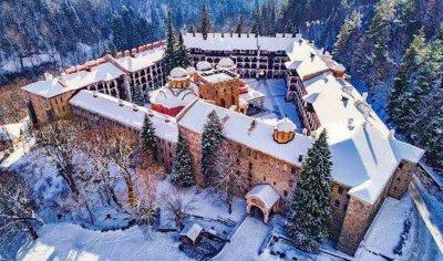 Рилският манастир отцепен от света вече две седмици