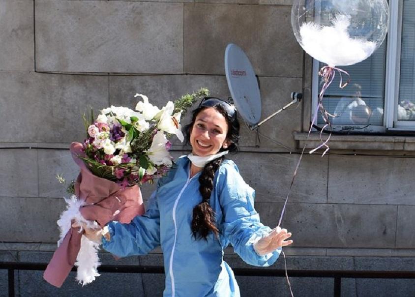 Браво! Радослава Ненова стана доброволец в битката с вируса