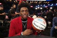 снимка 9 Церемонията, наречена драфт в НБА - сълзи, бляскави костюми и прически (СНИМКИ И ВИДЕО)