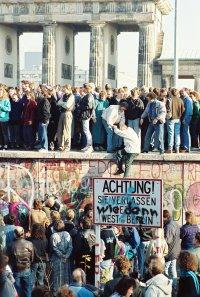 снимка 16 58 години от онзи 13-ти август, който раздели Германия (СНИМКИ)