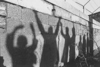 снимка 28 58 години от онзи 13-ти август, който раздели Германия (СНИМКИ)