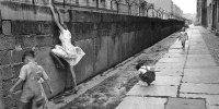 снимка 23 58 години от онзи 13-ти август, който раздели Германия (СНИМКИ)