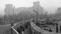 снимка 12 58 години от онзи 13-ти август, който раздели Германия (СНИМКИ)
