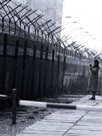 снимка 17 58 години от онзи 13-ти август, който раздели Германия (СНИМКИ)
