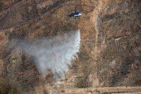 снимка 4 Огромен пожар евакуира хиляди на Канарите (СНИМКИ)