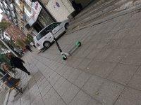 снимка 2 Тротинетките всяват хаос, столичани беснеят!
