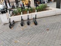 снимка 1 Тротинетките всяват хаос, столичани беснеят!
