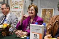 снимка 1 Авторът на мемоарите на Анастасия Мозер: Тя е некорумпираният политик!