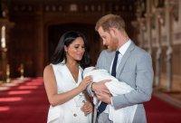 снимка 7 Принц Хари е най-секси таткото на годината (СНИМКИ)
