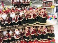 снимка 6 Смях в Lupa.bg: Народът се чуди и се мае какво празнува - Коледа, Баба Марта или Великден (СНИМКИ)