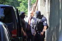 """снимка 3 Командоси и прокурори блокираха квартал """"Симеоново"""""""