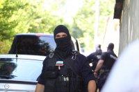 """снимка 2 Командоси и прокурори блокираха квартал """"Симеоново"""""""