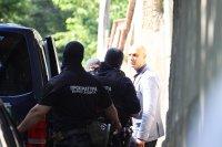 """снимка 6 Командоси и прокурори блокираха квартал """"Симеоново"""""""