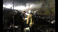 снимка 8 Потресаващи кадри от падналия самолет в Украйна (СНИМКИ И ВИДЕО)