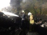 снимка 3 Потресаващи кадри от падналия самолет в Украйна (СНИМКИ И ВИДЕО)