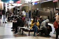 снимка 5 Фоторепортаж в Lupa.bg: Метрото претъпкано, новият график побърка народа
